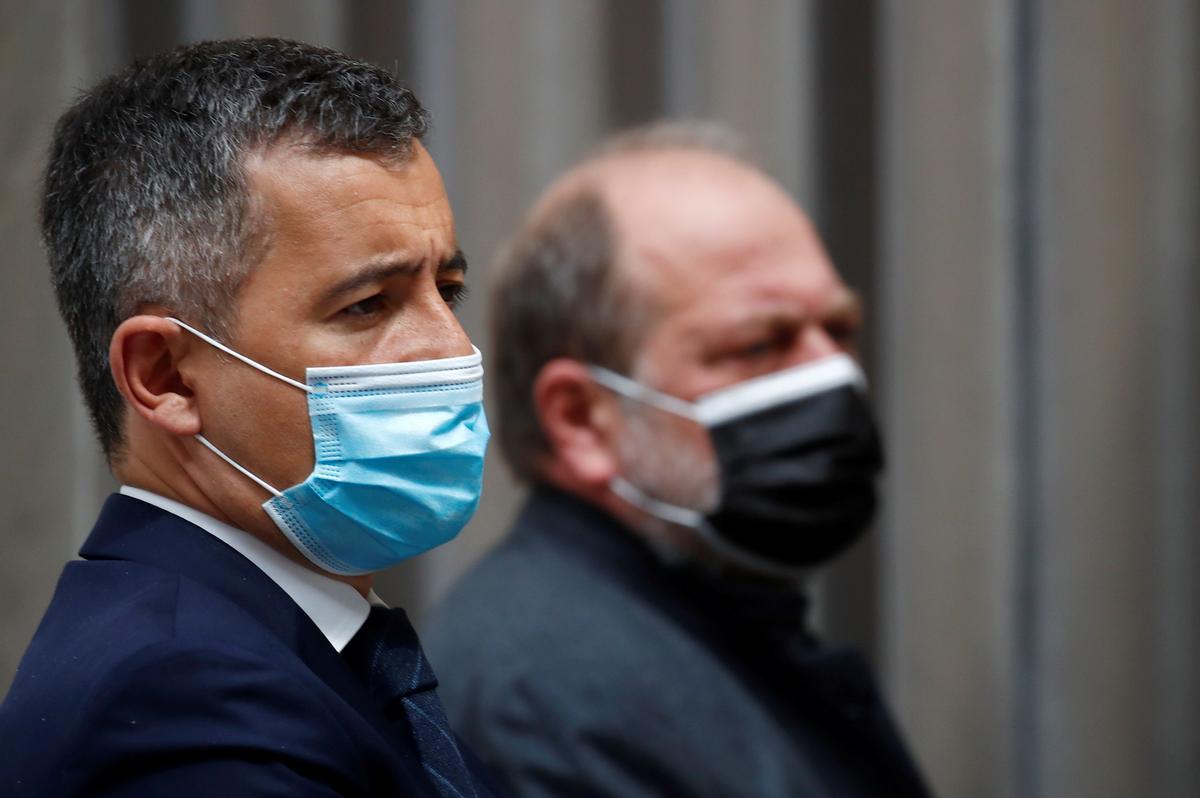 El MInistro del Interior francés Gerald Darmanin (delante) y el Ministro de Jusiticia Eric Dupond-Moretti (detrás).