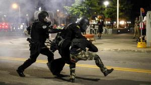 Fuerte choque policial con manifestantes