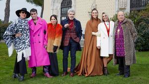 Rossy de Palma, Rappel y Lorena Castell junto a Raquel Sánchez Silva y el jurado de 'Maestros de la costura'