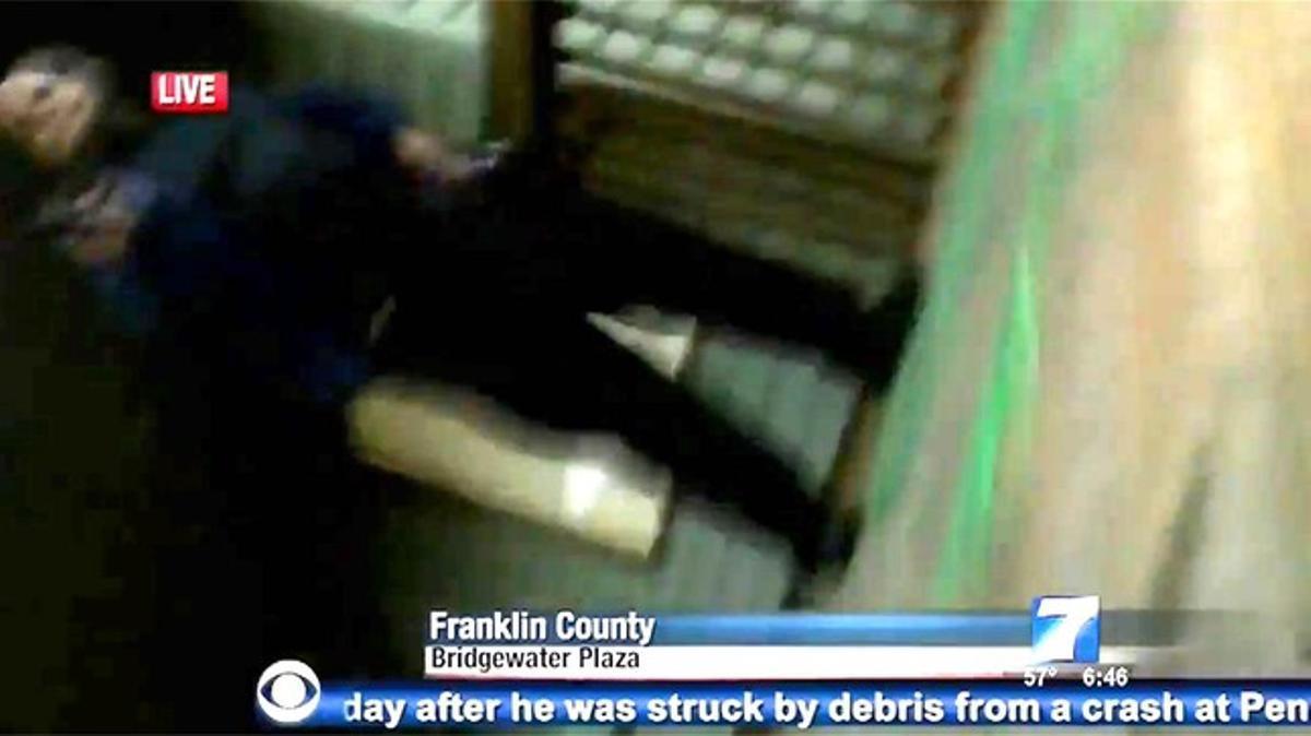 Imagen del asesino captada por la cámara de Ward.