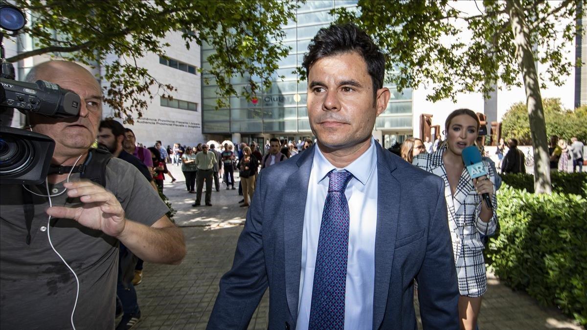 El juez tira adelante con el juicio de paternidad de Julio Iglesias