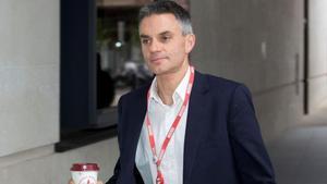 Tim Davie, nuevo director general de la BBC, a su llegada a la cadena pública.