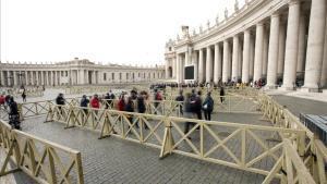 El Vaticà condemna l'expresident del seu banc i dos socis per malversar