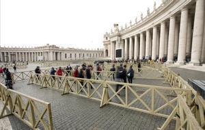 Plaza de San Pedro del Vaticano trasla confirmación del primer caso de coronavirus en el Vaticano.