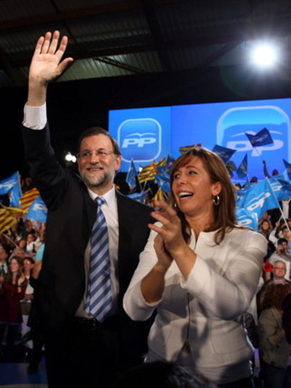 Mariano Rajoy y Alicia Sánchez-Camacho en L'Hospitalet de Llobregat.