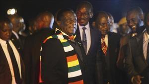 """El president de Zimbabwe adverteix que """"rodaran caps"""" per les protestes"""