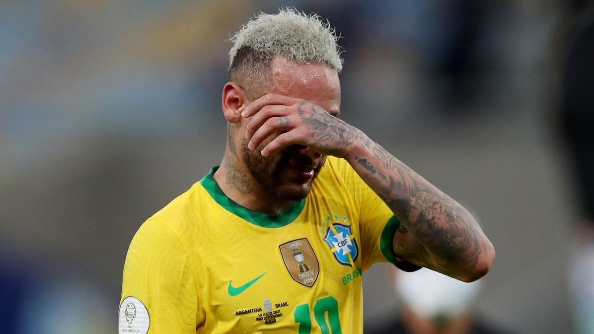 Neymar llora después de la final frente a Argentina