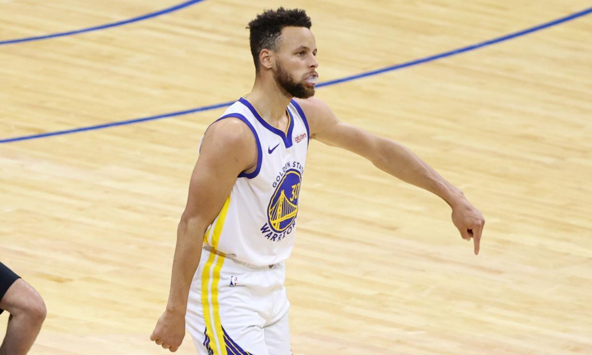 Un Curry en ratxa brutal trenca rècords de Bryant i Jordan