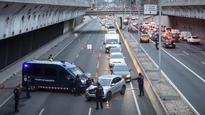 Control de movilidad en la Gran Via de Barcelona, el 7 de enero.