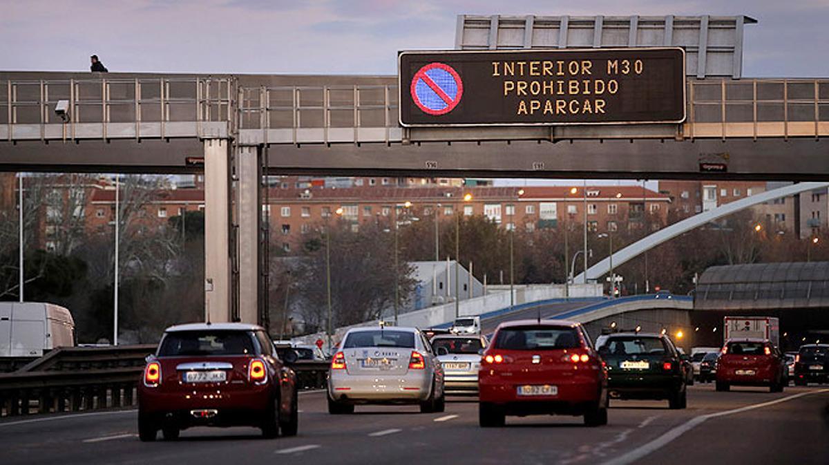 Mañana 29 de diciembre estará prohibido circular en Madrid a los coches con matrículas pares.