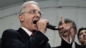 Un tribunal concedeix la llibertat a l'expresident de Colòmbia Álvaro Uribe
