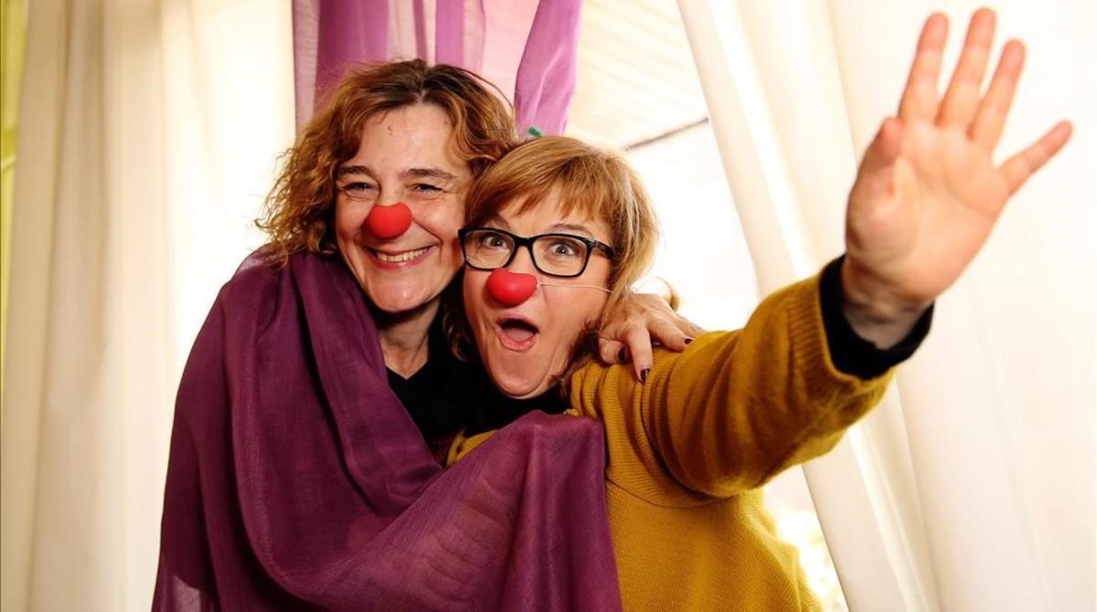 Joana Delgado y Montserrat Barrufet, integrantes del grupo de teatro Descabelladas.