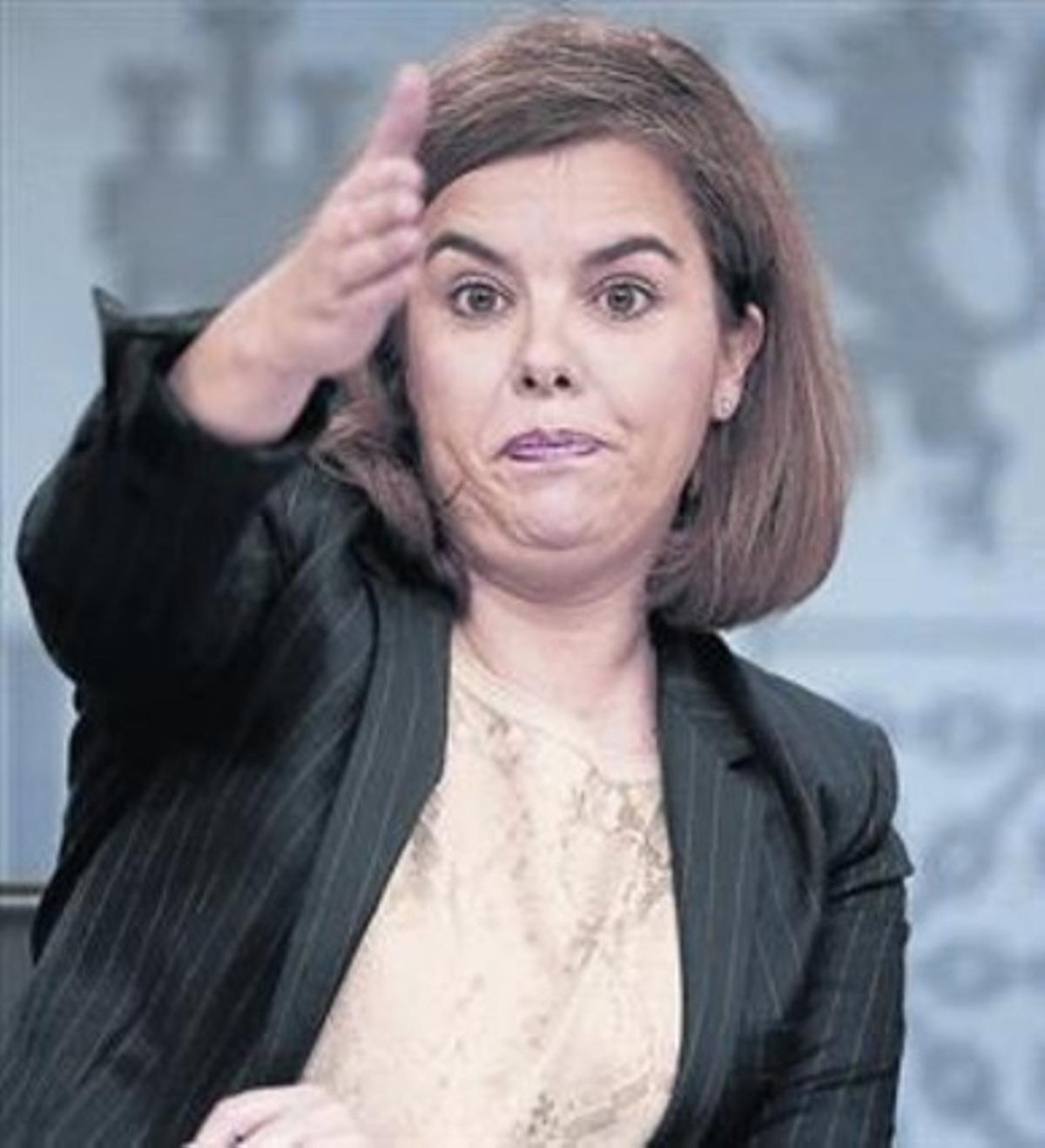 La vicepresidenta, Sáenz de Santamaría, ayer en rueda de prensa.