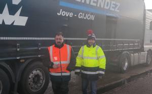 Dos transportistas atrapados en Reino Unido