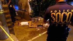 Un hombre acribillado a balazos en una calle de Manila.