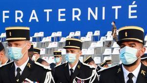 Gendarmes franceses en una ceremonia militar el pasado de julio en París.