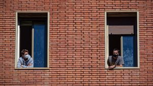 Salut confina 200 universitaris després d'haver registrat 60 positius en una residència de la UB