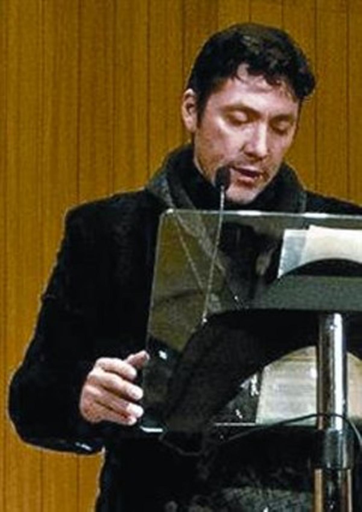 El detenido, en una lectura.