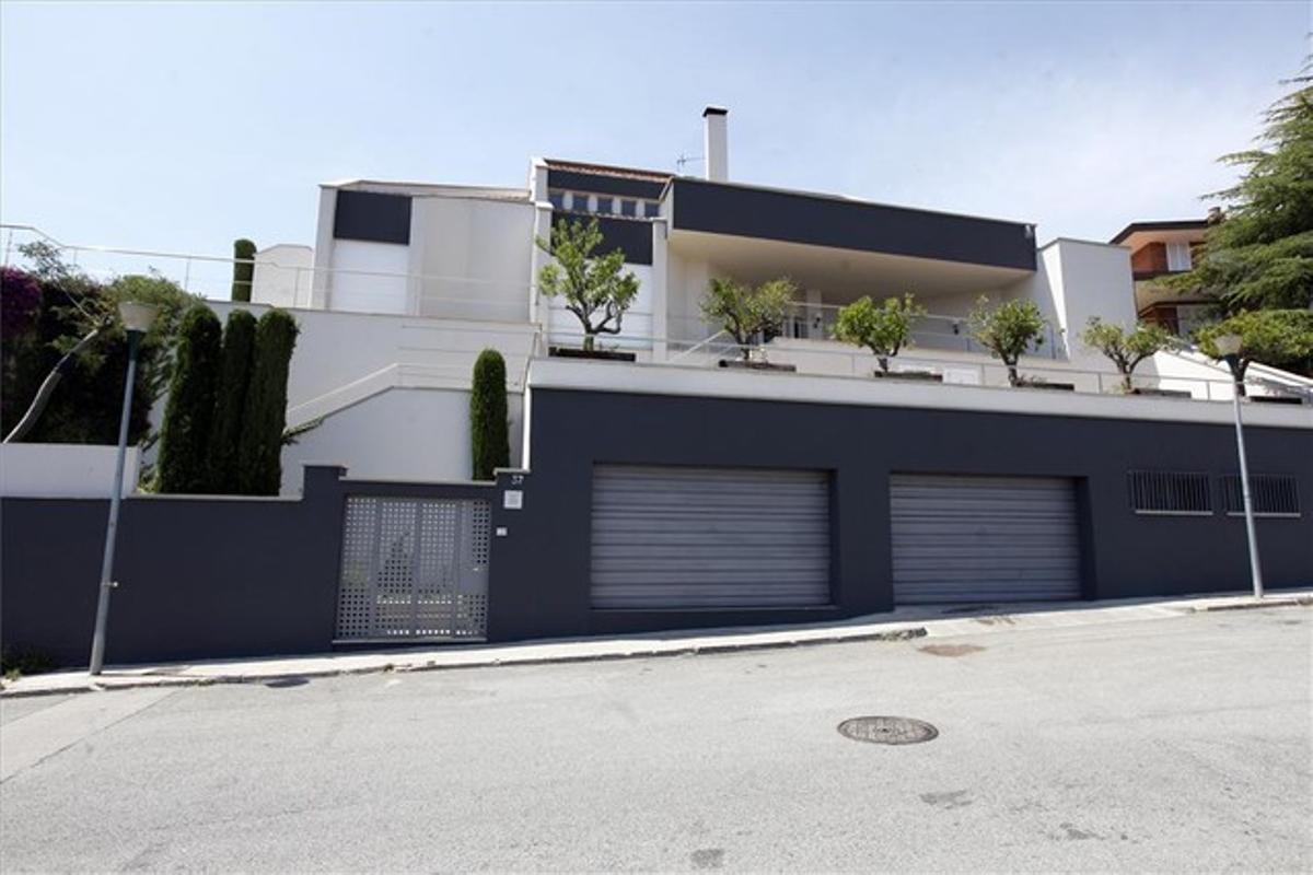 Fachada de la casa de Shakira y Piqué en Esplugues.