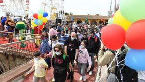 El parque del Tibidabo este 15 de mayo, primer día de apertura tras varios meses.