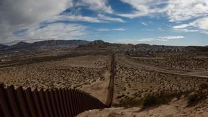 Los 14 mil millones de dólares que se le incautó a El Chapo serviría para construir el muro de Trump.