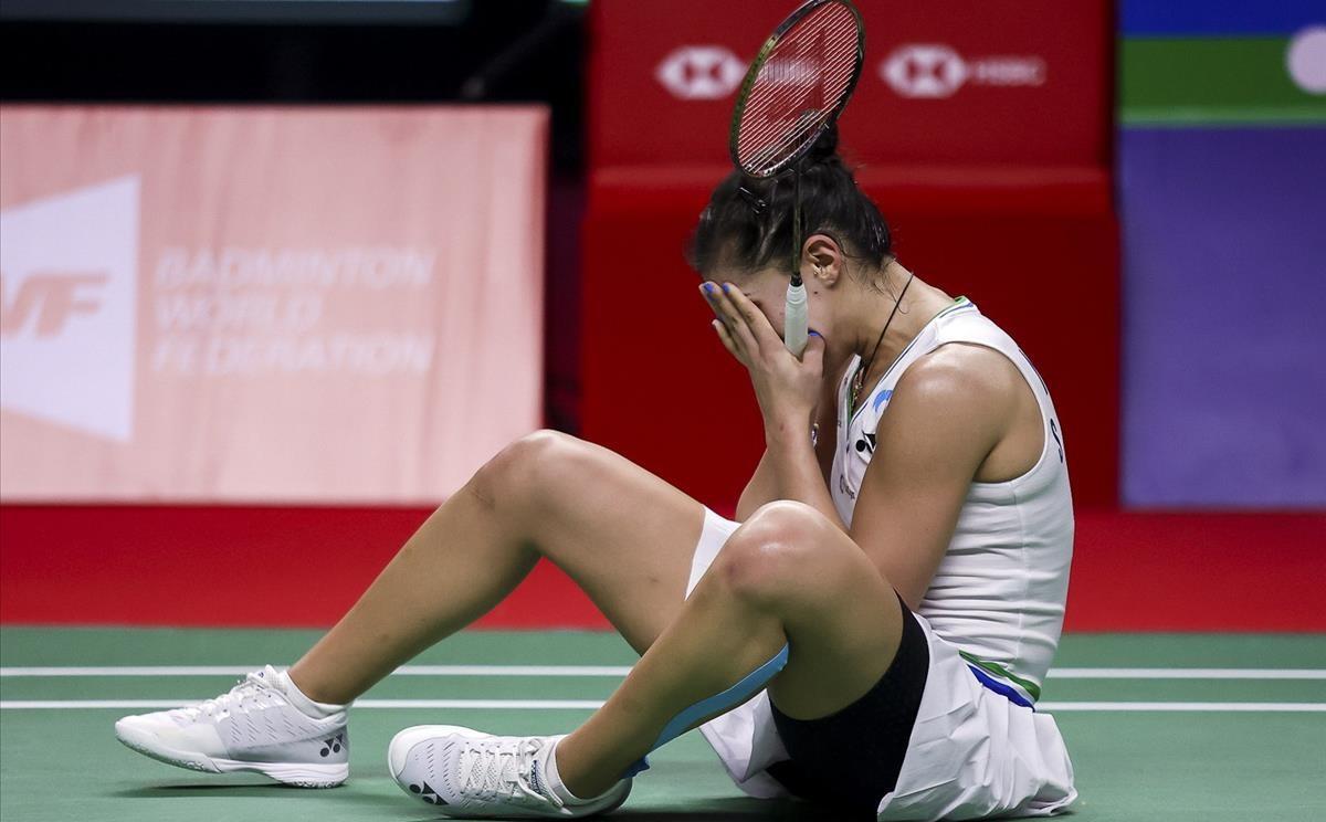 Carolina Marín, emocionada, después de proclamarse campeona del Abierto de Tailandia, en Bangkok.