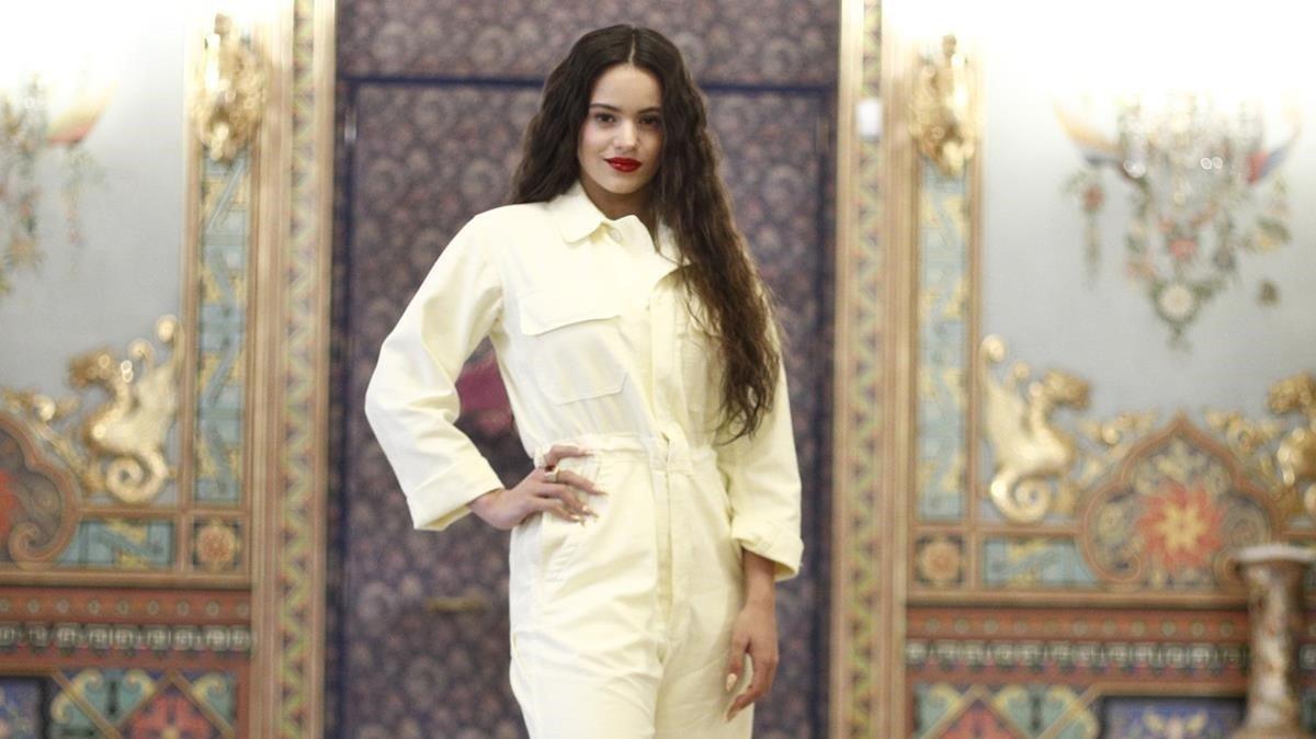 Rosalía, en una imagen promocional de su nuevo disco.