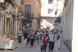 Plano general de la calle de Besalú de Figueres, este sábado 18 de julio.