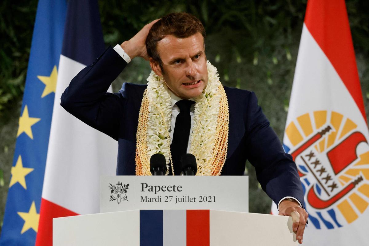 Macron durante su último discurso antes de abandonar la Polinesia.