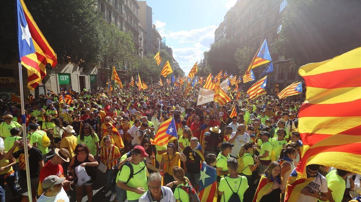 La manifestación independentista, en el cruce de Aragócon Bailén, esta Diada.