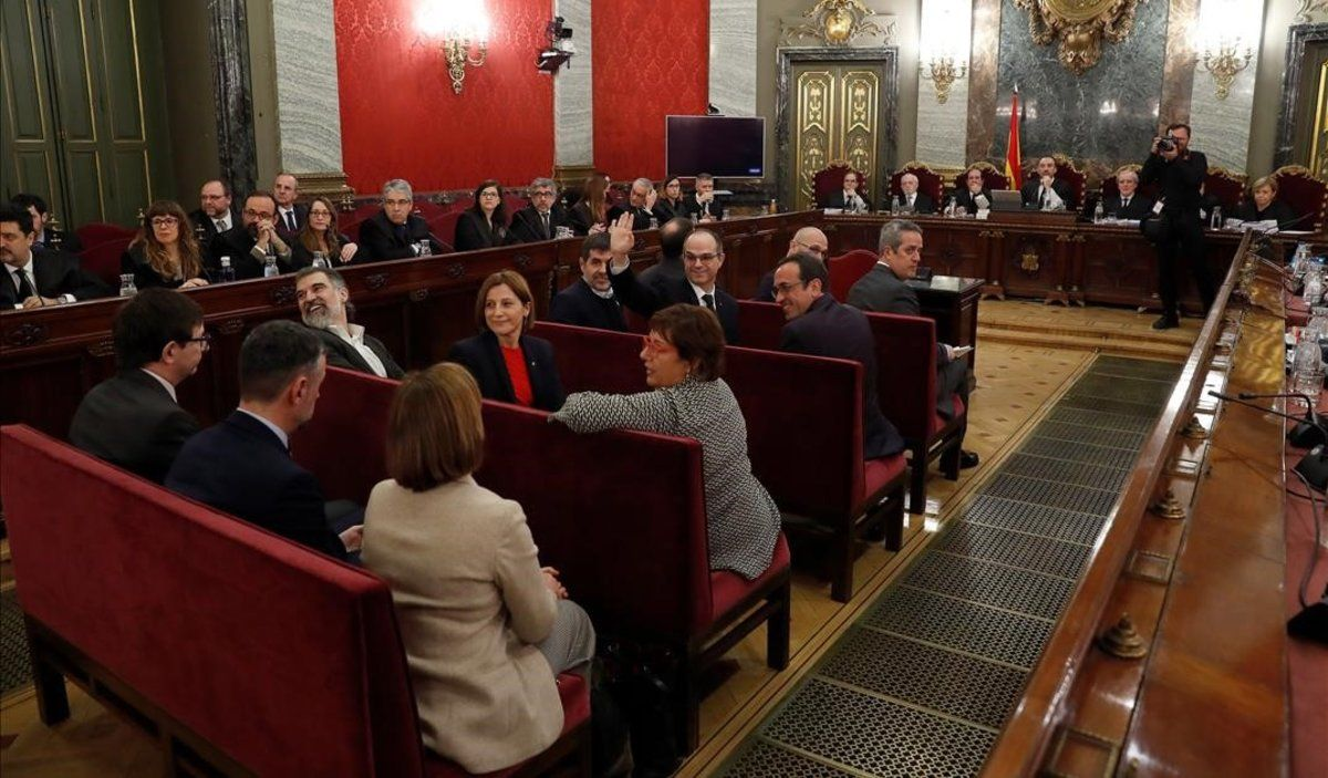 Los acusados del juicio del 'procés', al inicio de la sesión.