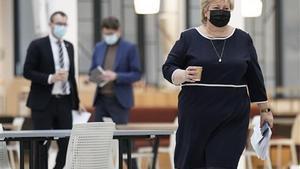 La policía noruega anunció el 9 de abril que había multado a Solbergpor saltarse las medidas de lucha contra la pandemia.