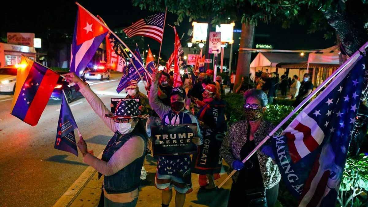 Donald Trump aventaja por 3,5 puntos a Biden en Florida con el 98% del escrutinio en la elecciones de EEUU 2020.