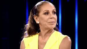 Isabel Pantoja li treu el cotxe a Kiko mentre anuncia la seva tornada als escenaris