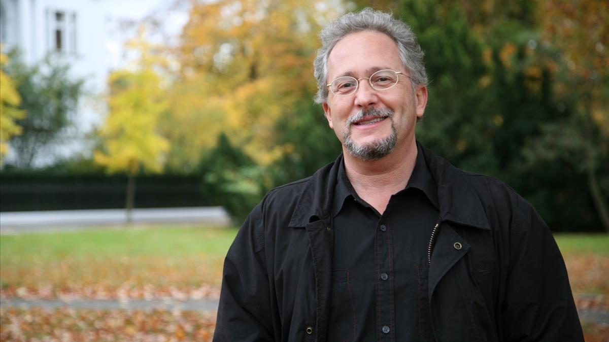 El escritor colombiano Héctor Abad Faciolince.