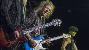 Dave Meniketti, en el concierto de Y&T en Razzmatazz
