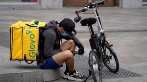 El Tribunal Suprem declara falsos autònoms els 'riders' de Glovo