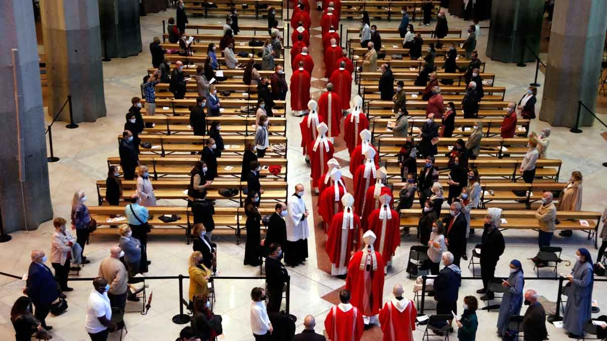 600 personas se reúnen en la Sagrada Família para la beatificación de Joan Roig Diggle.