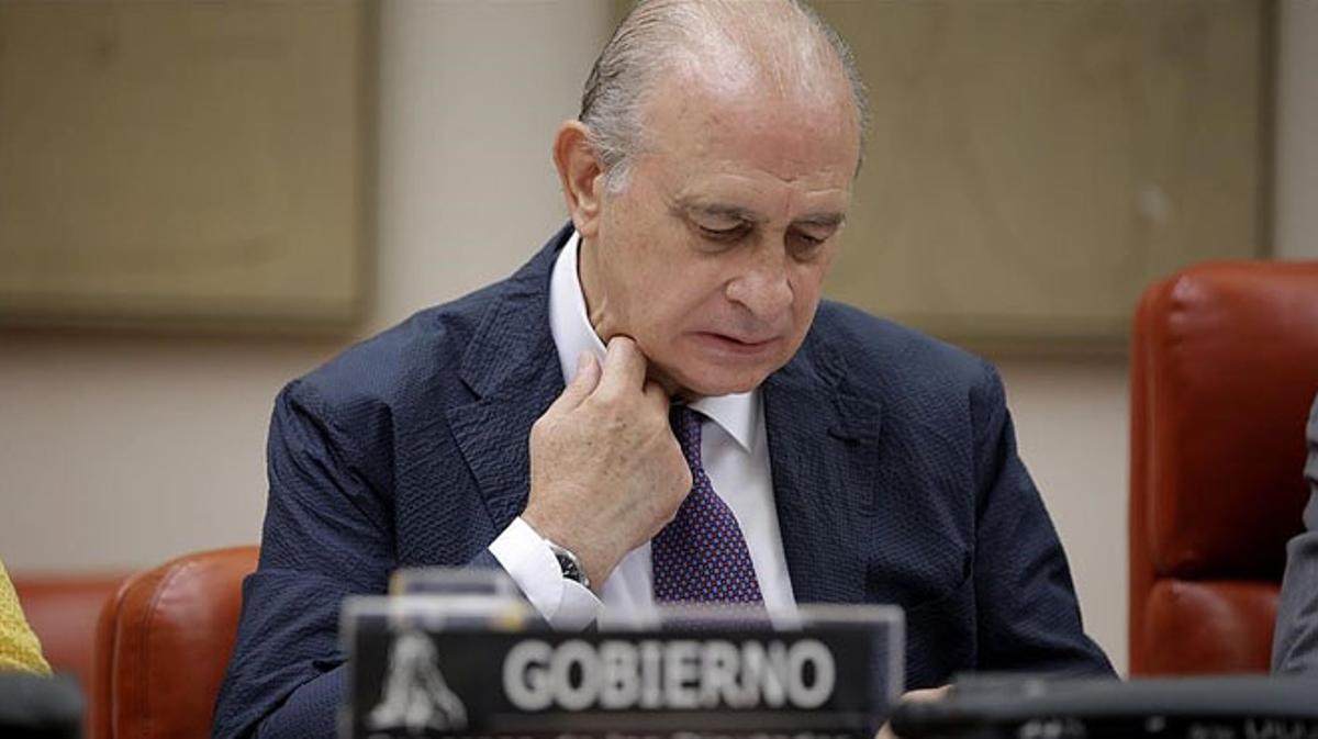 Legarda (PNV):El PP y Ciudadanos bloquean la prórroga de la comisión sobre Fernández Díaz.