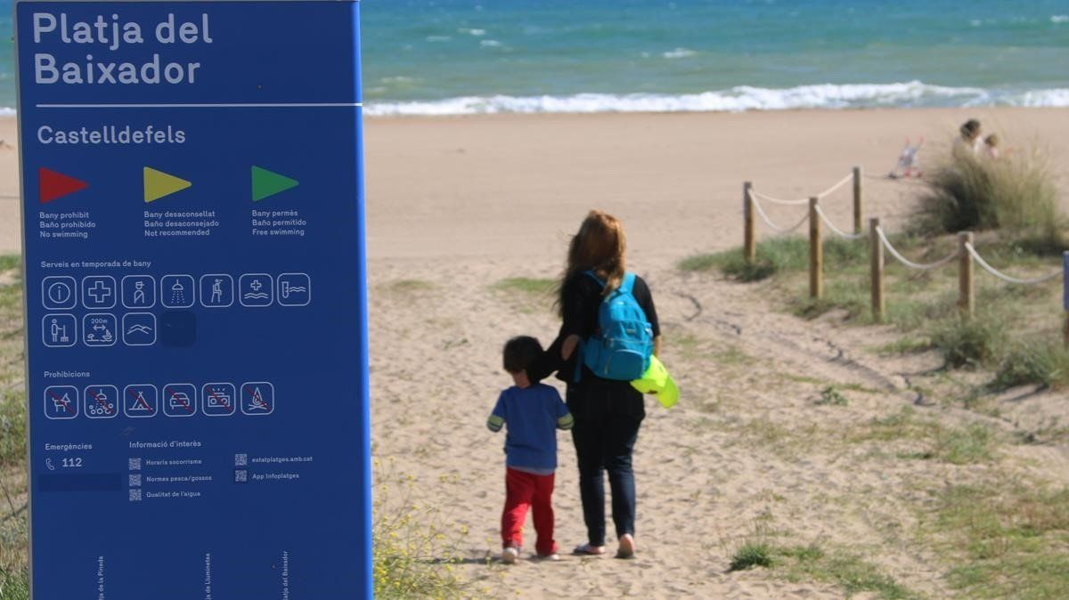 Imagen de la playa del Baixador de Castelldefels, el pasado 2 de mayo.