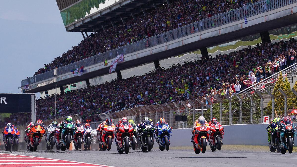 Aspecto de la grada del Circuit de Catalunya en la salida de MotoGP del 2019