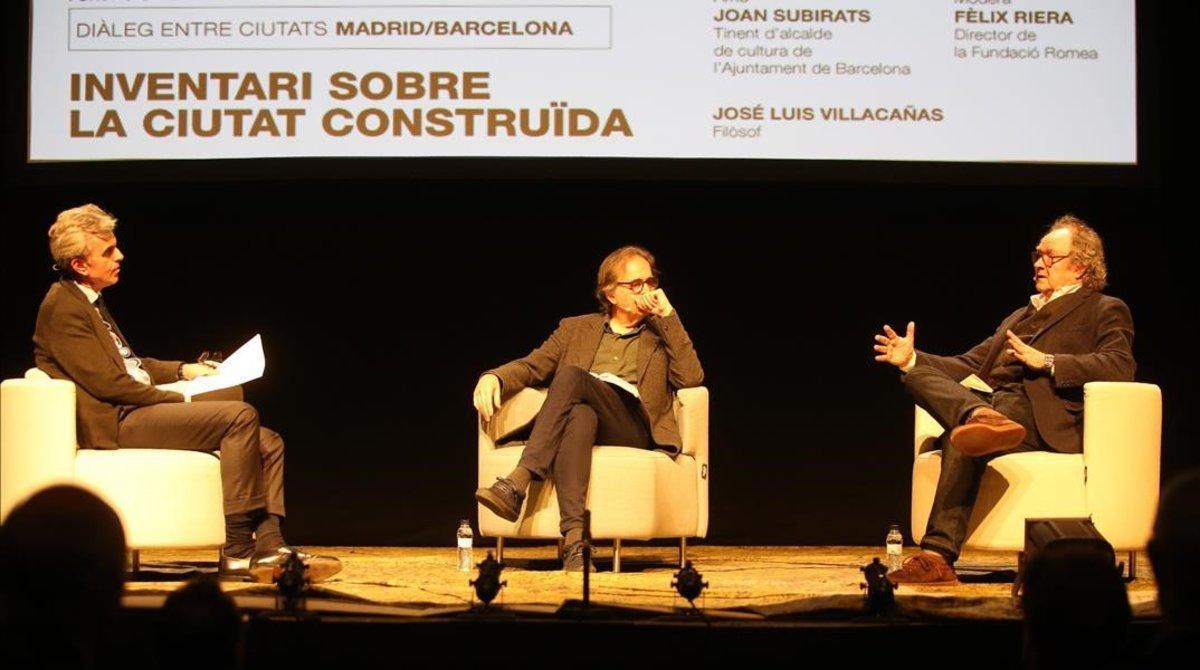 De izquierda a derecha, Riera, Subirats y Martí, en el debate de la Fundació Romea, el lunes por la noche.