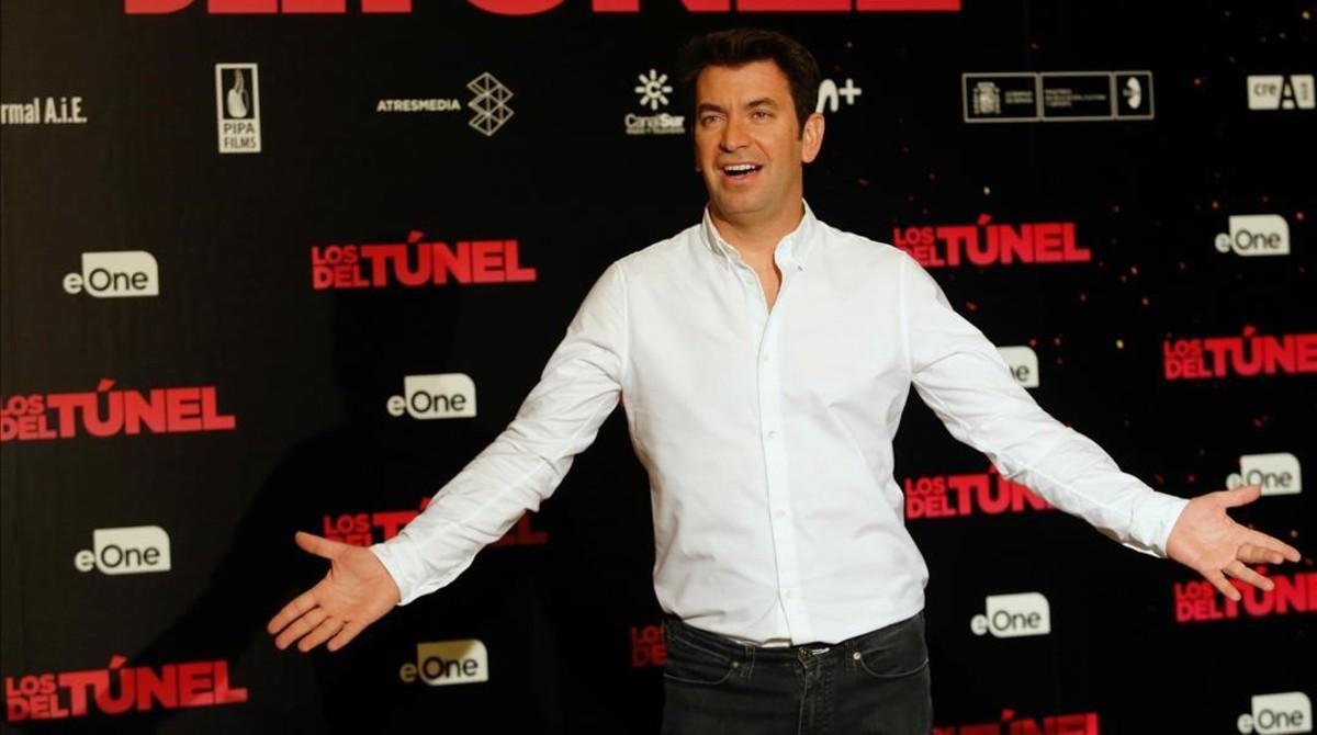 El actor y presentador Arturo Valls, en el cine Palafox de Madrid, donde presentó su primera película como productor,'Los del túnel, estrenada el viernes.