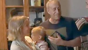 Angela Dobrowolski y Josep Maria Mainat, junto a su hija, en un fotograma del programa 'El convidat', de TV-3.