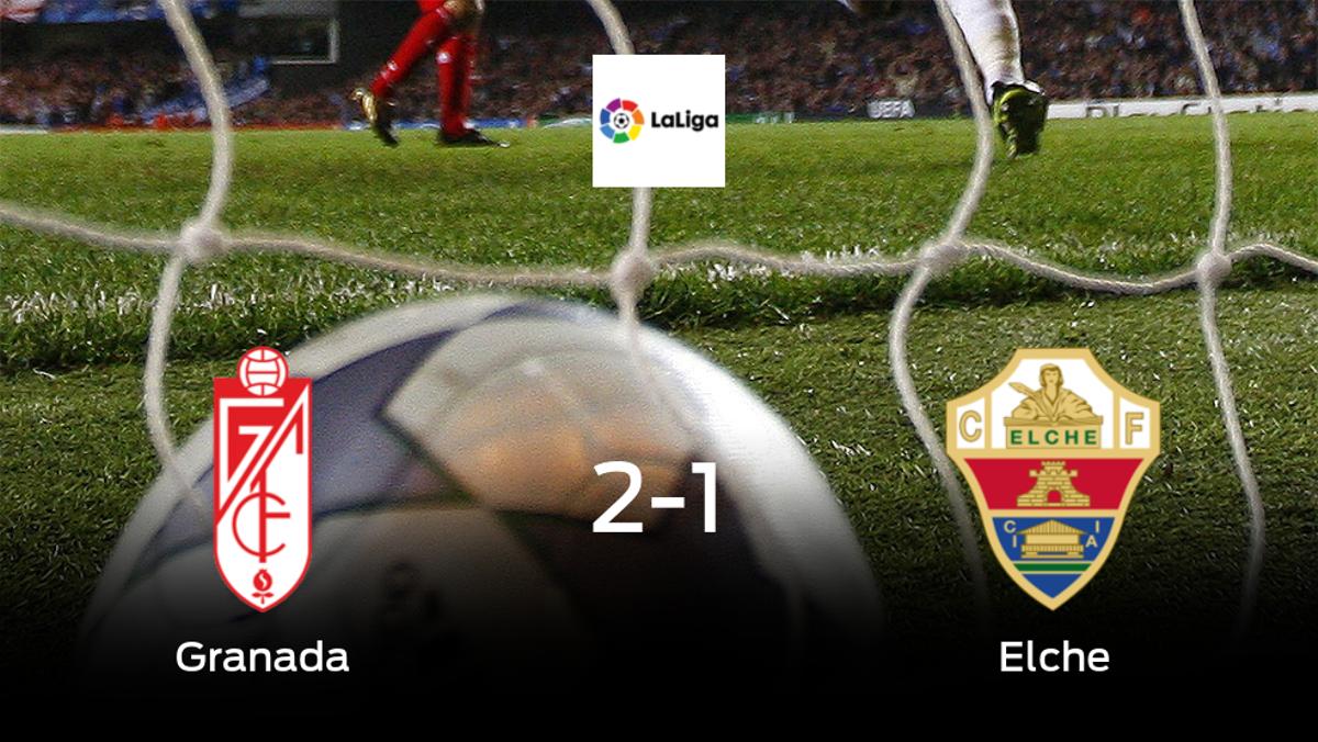 El Granada vence 2-1 al Elche en el Estadio Nuevo Los Cármenes