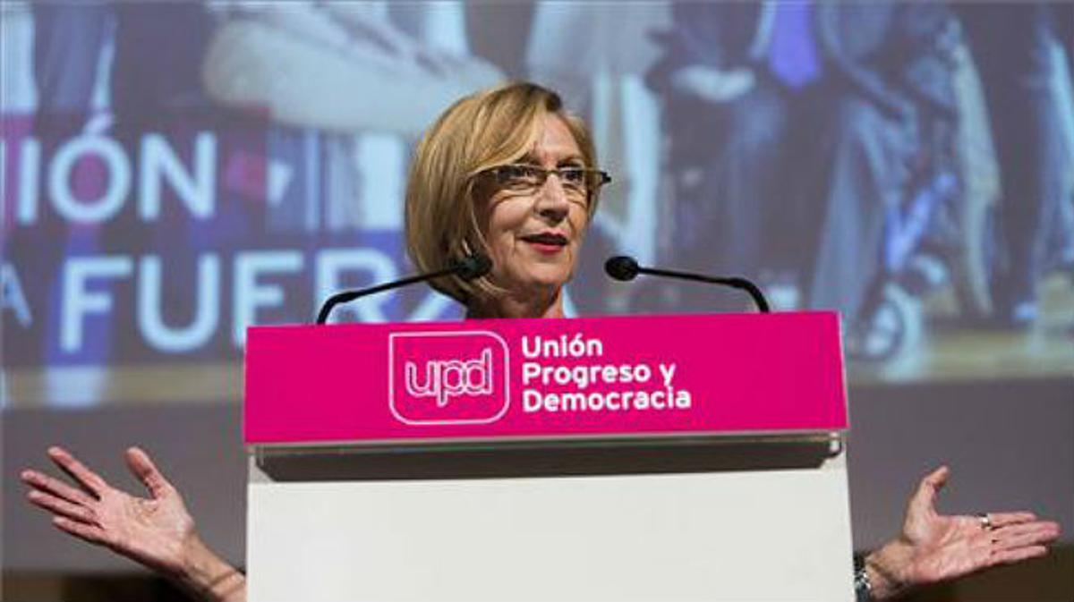 Rosa Díez da la bienvenida al juego democrático al desconocido Podemos