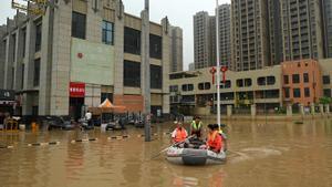 La Xina força l'evacuació de milers de persones per les fortes pluges