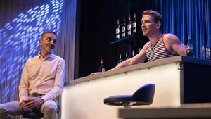 Albert Triola (Bruno) y Ramon Pujol (Àlex), en una de 'Smiley, després de l'amor', en el Teatre Aquitània.