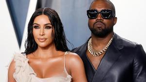 Kanye West pide perdón públicamente a Kim Kardashian.