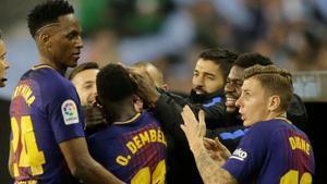Los jugadores del Barça celebran el gol de Dembélé ante el Celta, el primero en la Liga.
